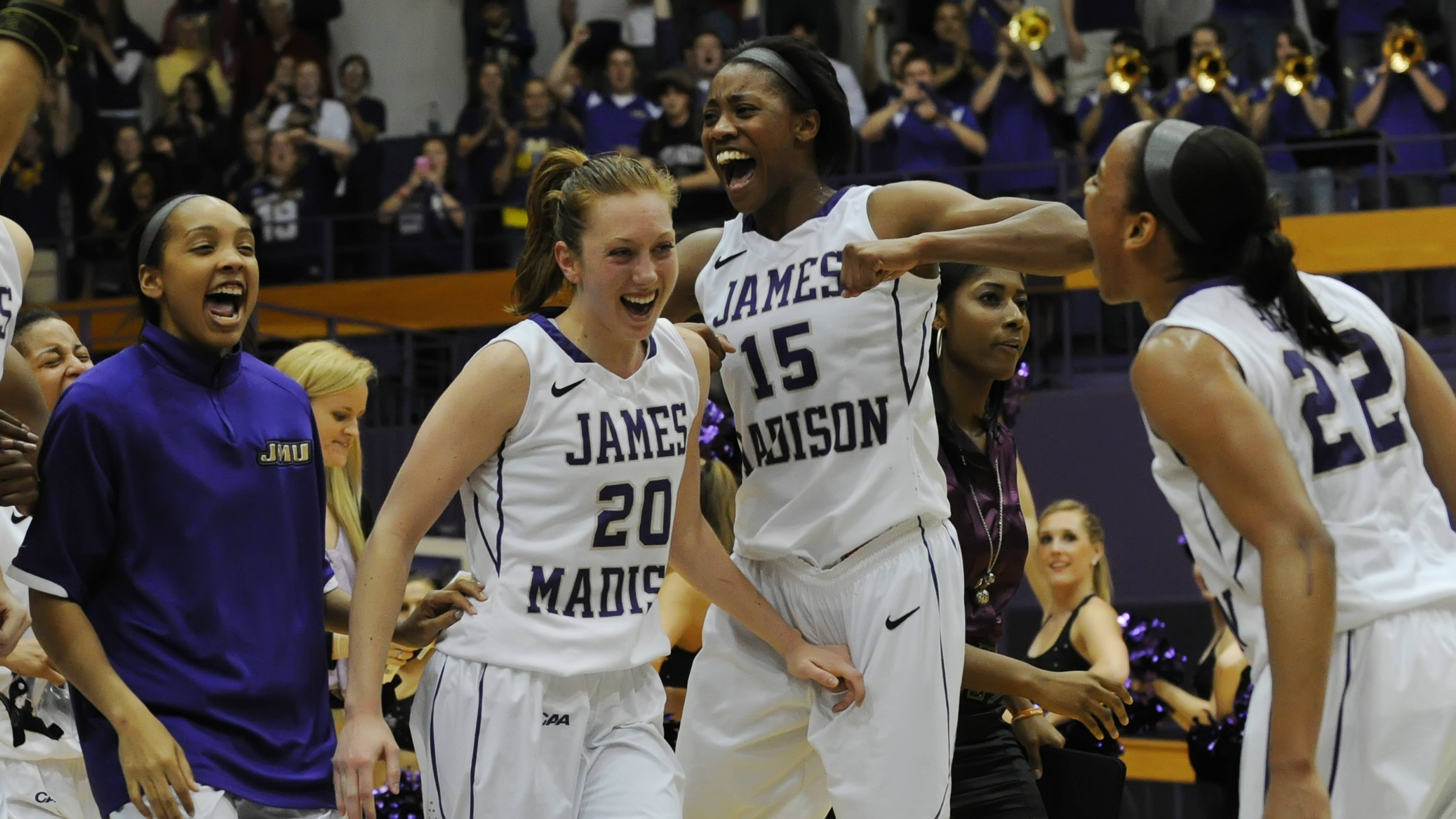 Women S Basketball In Wnit Championship Game After 74 71