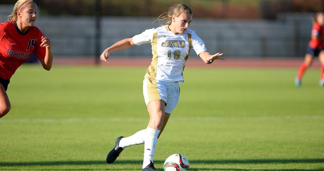 Women's Soccer: Herndon Named Co-CAA Player of the Week