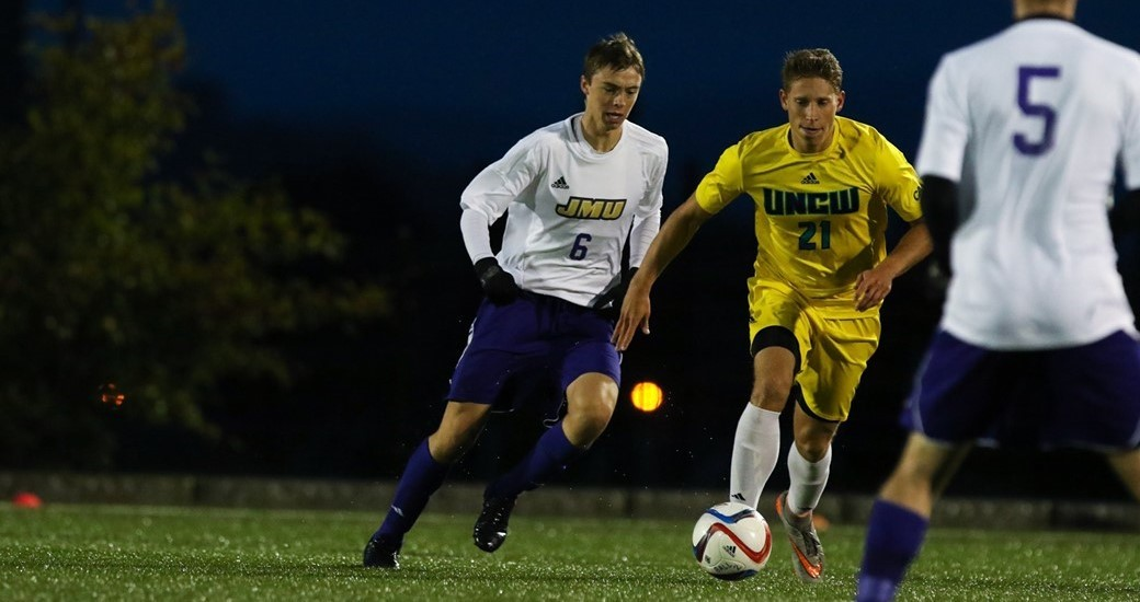 Men's Soccer: Shores Selected as CAA Rookie of the Week