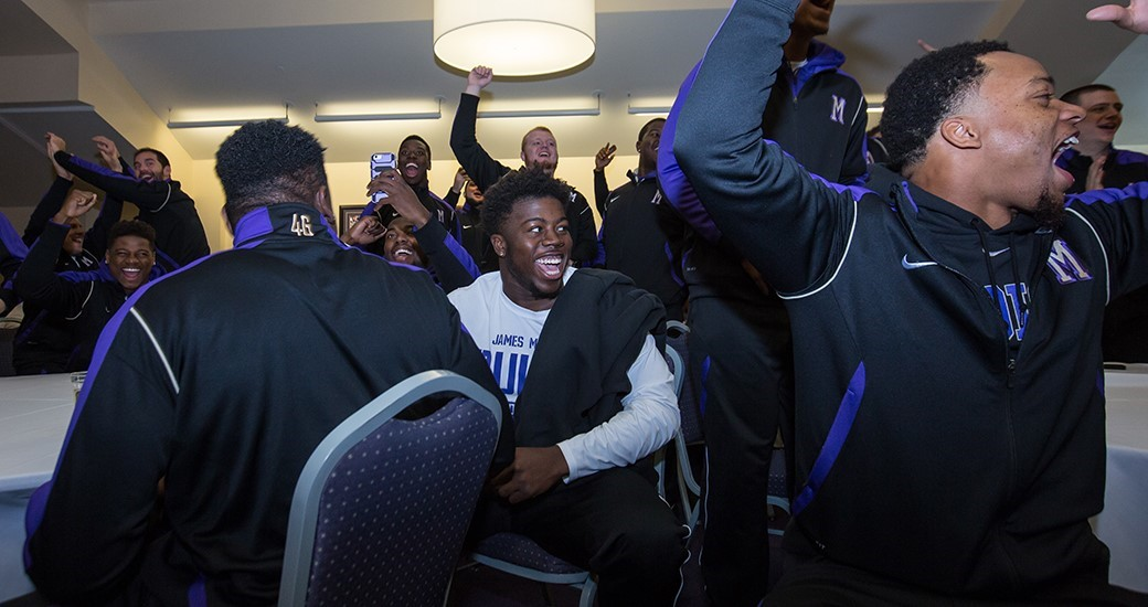 Football: JMU Earns No. 5 Seed, First-Round Bye, for 2015 FCS Playoffs