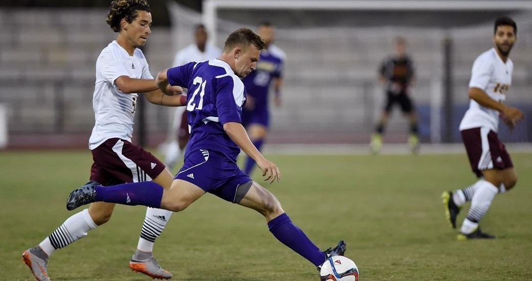 Men's Soccer: Dukes and Gaels Draw In Season Opener