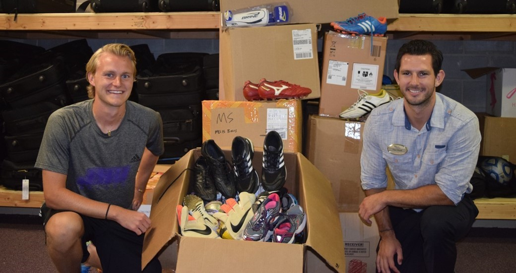 Men's Soccer, Community Relations: Student-Athletes Collect Used Equipment for Local Charity