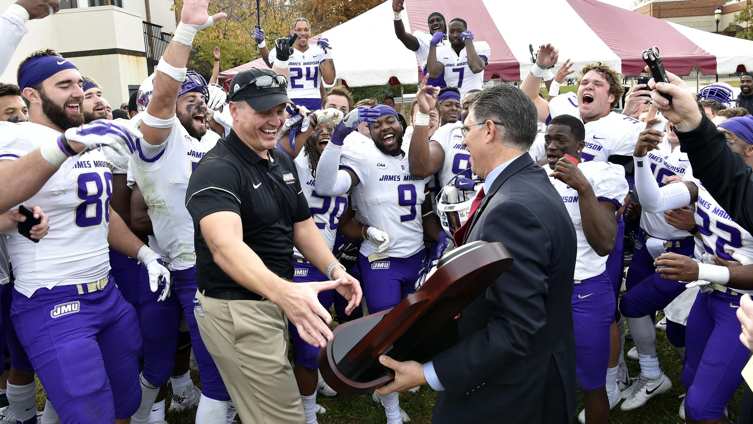 Football: #1 Dukes Capture Outright CAA Championship with 31-3 Win at #11 Elon