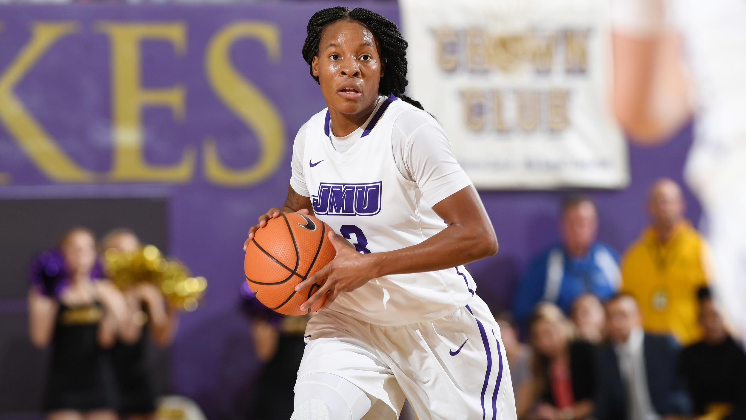 Women's Basketball: Smalls' Spark Earns CAA Player of the Week Honor)
